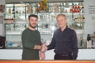 Josef Schagerl (rechts) wünscht Raffaele Cernigliaro (links) viel Erfolg