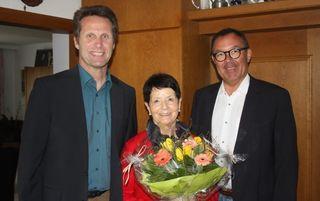 v.l.: Bgm. Dietmar Schöpf, Pfaundler Erika, Vbgm. Bernhard Brötz.