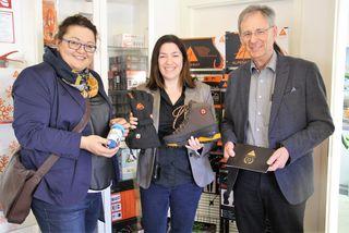 Susanne Klinger und Werner Kirchsteiger mit Alpenheat-Geschäftsführerin Tanja Kragl