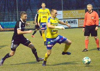 Niko Frljuzec (2. v. r.) erzielte bereits in der 7. Minute die Führung für Lafnitz.