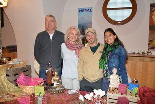Das Team: Ewald Amon, Brigitta Harrach, Tom Stuppner und Usha Basnet-Stuppner
