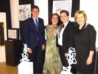 Kulturtage Eröffnung: (v.l.) Bgm. Peter Stradner, die beiden Künstlerinnen Ilse Bernecker und Katarina Hvozdarova sowie Kulturtageorganisatorin Monika Klement.
