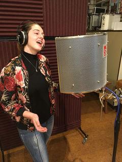 Im Tonstudio in Bad Reichenhall spiete Chiara Maria ihre SOLO-CD ein.