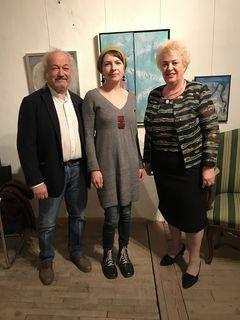 Kulturforum-Obmann Michael Muhr, Künstlerin Virág Dóczi und Frauenlandesrätin Verena Dunst.
