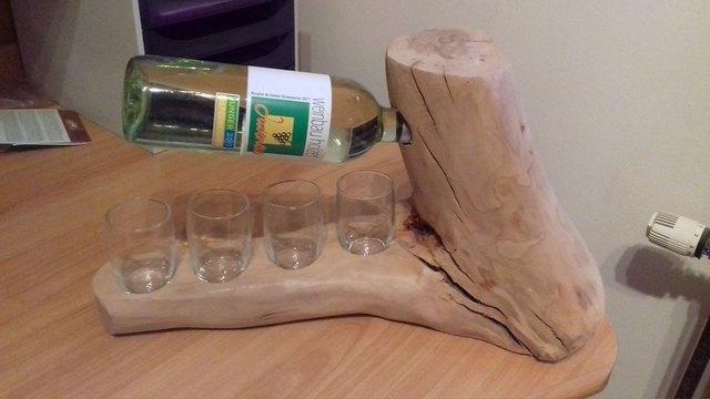 Darf's ein Flascherl Wein sein? Vom Holzer versteht sich.