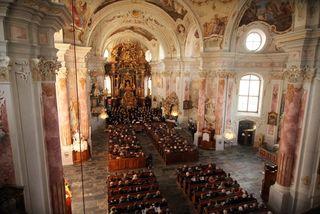 Künstler, Publikum und Kirche verschmolzen in einer Klangwolke zu einem Ganzen.