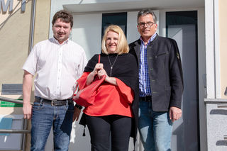 ÖVP-Parteiobmann Bernhard Thumfart, Regierungskommissärin Alexandra Hofer, Bgm. Leopold Gartner