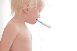 Vor allem bei Kindern, aber auch bei älteren Menschen, ist die Verunsicherung bei Krankheitssymptomen schnell groß.