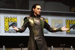 Tom Hiddleston war in England unterwegs