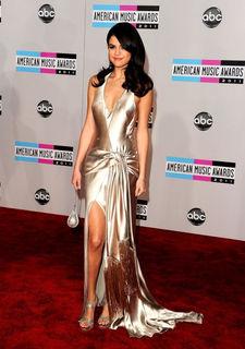 Selena Gomez ist genervt von den Fotografen