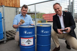In diesen neuen Behältern werden die Lithiumbatterien künftig in den Schärdinger Altstoffsammelzentren gesammelt.