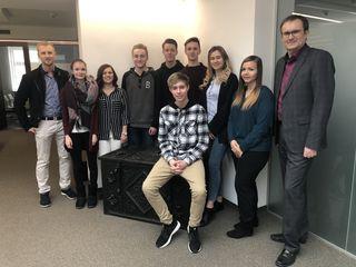 Die Schüler der LBS Schrems besuchten die Hauptanstalt der Waldviertler Sparkasse.