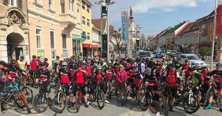 Viele Mountainbiker nutzten das herrliche Wetter für die erste Ausfahrt.