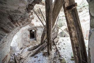 In den Ruinen des Schlosses.