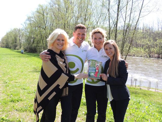 Frühlingsfit: Vitalhoteldirektorin Claudia Wendner, Club Yourway Duo Markus Strini und Sigrid Antoniuk mit Stefanie Schmid, Parktherme Bad Radkersburg.