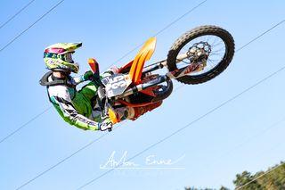 Pascal Krieger ist von der Faszination Motocross und der damit verbundenen Freiheit fasziniert.