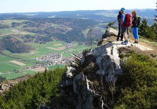 """Das """"Sonnenplatzerl"""" auf dem Großen Peilstein lädt zum Verweilen ein."""