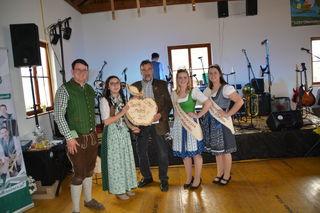 Mostprämierung in Scheibbsbach: Familie Fenzl aus Scheibbs holte den zweiten Platz.