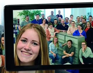 """EVG in St. Florian startete 2018 eine neue Werbekampagne mit """"Selfies"""" direkt aus den Büros der Mitarbeiter."""