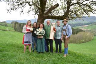 Glückliche Gastgeber: Franz und Maria Aigner (M.) mit ihren Kindern Isabell, Nicole, Gabriel und Daniel in Scheibbsbach.