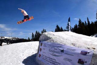 Sonne und Schnee auf der Weinebene: Perfekte Bedingungen für den Neighborhood Snowpark.