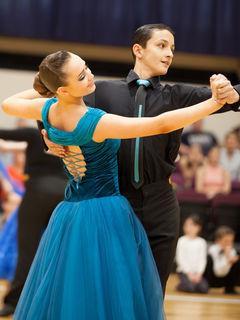 Fotocredits: Regina Courtier- Julia Trepa und Alexander Lauda, Bronze in Junioren II D Standard.