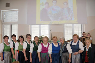 """Im Rahmen der Jubiläumsfeier """"50 Jahre Frauenbewegung Heimschuh"""" wurden langjährige Mitglieder der Frauenbewegung Heimschuh geehrt."""