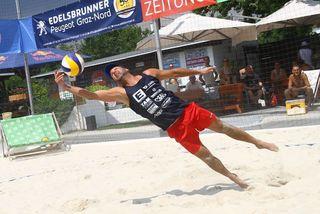 Mur Beach-Betreiber Ingo Gruber ist auch selbst begeisterter Baachvolleyballer.