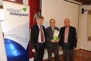 Bei der Ehrung: Josef Sampl, Peter Löcker, RR Robert Grießner.