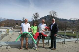 Freuen sich schon auf viele Badegäste im AYA-Bad: (v. li.): Walter Tobolka, Izeta Pragan, Michael Hofer und Sepp Reichl (alle Städtische Betriebe)