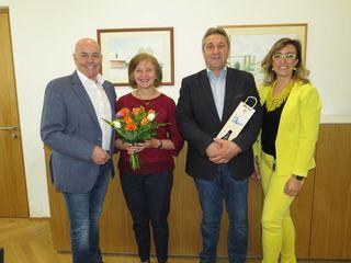 Am Foto von links: Bürgermeister LAbg. Georg Rosner, Anna Pongracz, Gustav Benedek und Amtsleiterin Katja M. Massing