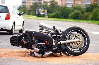 Der Motorradlenker wurde mit der Waldinger Rettung abtransportiert.
