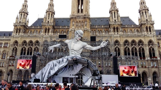 Das Wiener Rathaus wurde anlässlich des letztjährigen Life Balls kreativ geschmückt.