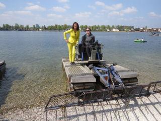 Stadträtin Ulli Sima präsentiert das neue Mähmanagement an der Alten Donau und die wendigen Mähboote.