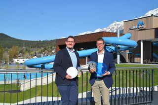 Markus Huber (l.) und Christian Härting sind zufrieden mit der Wintersaison des Telfer Bades.