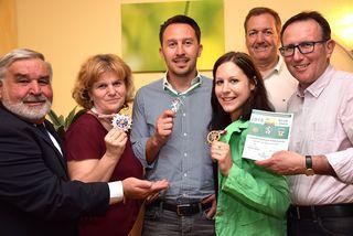 Ernst Kranawetter, Margit Angerbauer, Patrik Markowitsch, Birgit Gratz-Scheucher, Bürgermeister Reinhold Höflechner und Obmann Helmut Schwimmer.
