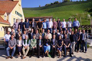 Schwerstarbeit hat die Profijury bei der WOCHE Weinchallenge in der Fachschule Silberberg zu leisten.