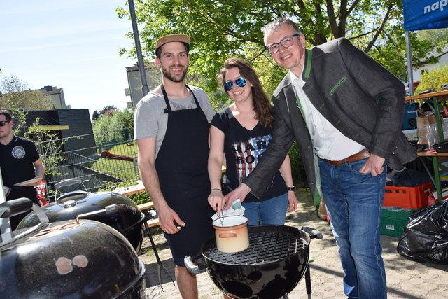 """Andreas und Tanja Bertl von """"Berts BBQ Crew"""" aus Wilhelmsburg."""