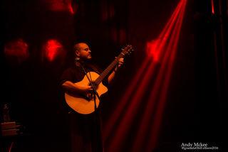 Virtuos: Der amerikanische Fingerstyle-Gitarrist tritt in Wien auf.