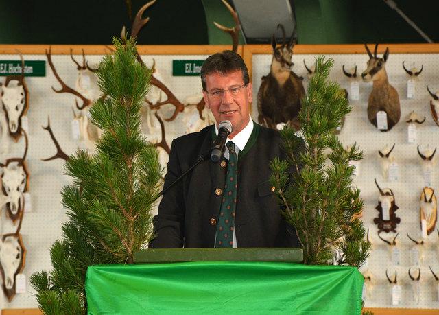 ÖVP Tirol Obmann Jakob Wolf verkündete die Pachtverlängerung der Pitztaler Landesjagd bis 2029