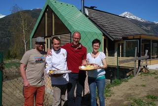 Das neue Team der Launsberghütte: Christian Salentinig, Christian Possegger, Willi und Melisande Granig