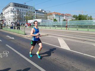 Alexander Luger auf seinem Weg durch Wien.