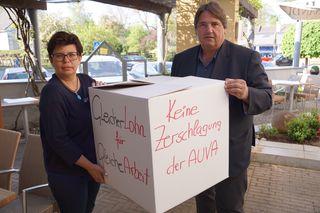 LAbg. Bernadette Kerschler und NAbg. Josef Muchitsch wehren sich gegen geplante arbeitsmarktpolitische Verschlechterungen durch die schwarz-blaue Bundesregierung.