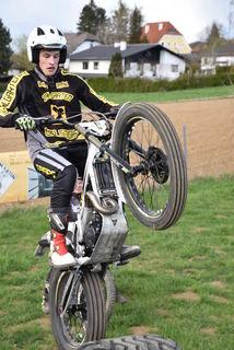 Jakob Sommerer auf seinem neuen Trial-Bike.