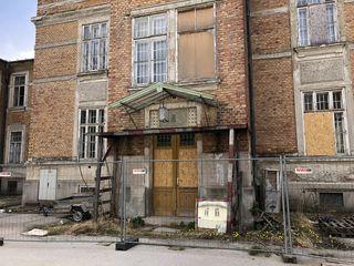 Fehlendes Gesamtkonzept für das Otto-Wagner Spital: Gebäude verfallen oder sollen nicht mehr für die Öffentlichkeit zugänglich sein.