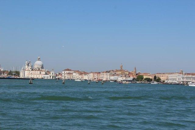 Ankunft in Venedig per Schiff