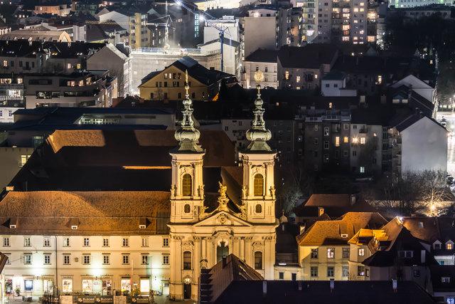 Mariahilferkirche bei Nacht