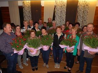 Die Preisträger der Blumenschmuckaktion in Höhnhart.