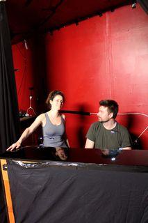 Pia Douwes und Rory Six verstehen sich blendend - das Stück entwickelt sich dann mit jeder Probe weiter