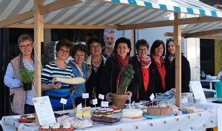Das Pflanzenflohmarkt-Team aus Ebensee freut sich über zahlreiche Bescuher